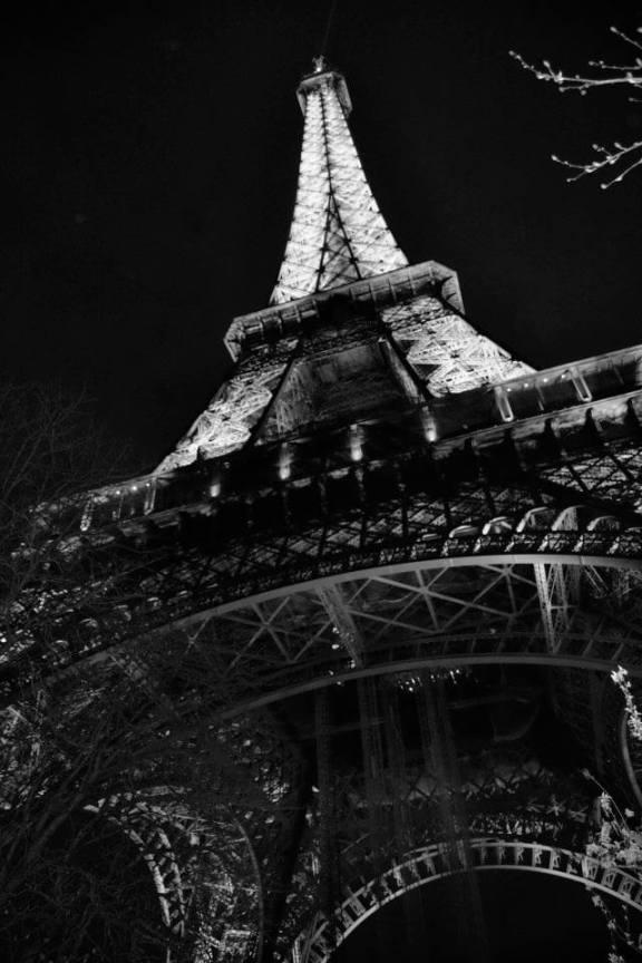 Champ De Mars , Tour Eiffel.